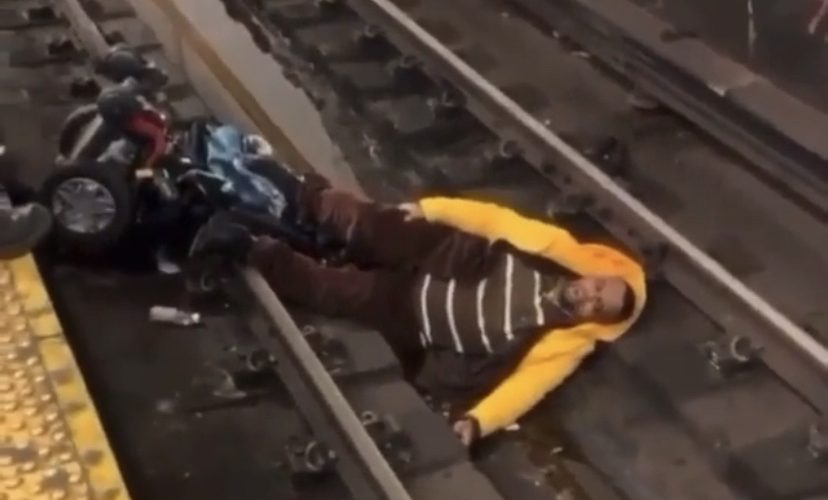 man falls on subway tracks in new york