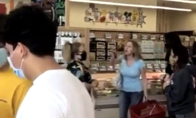 Karen loses it in Trader Joe's over mask
